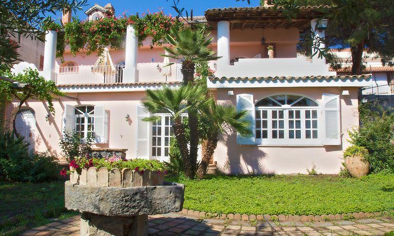 B&b villa accademia giardini naxos